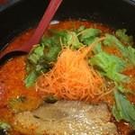 麺's - 料理写真:チャーシュー入りスパイシー670円