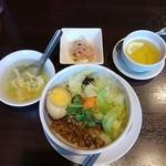 42012944 - 魯肉飯セット(ランパス)