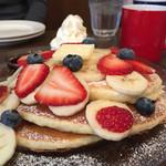 MOANA CAFE - フルーツミックスパンケーキ