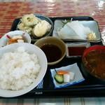 42018985 - 日替わり定食(830円)