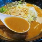 麺の坊 晴天 - こってり濃厚なスープ