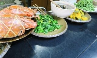 酒幕 - お惣菜がカウンターにズラリ!と並んで。