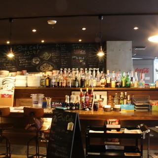 「雑貨カフェ」「ブックカフェ」「建築カフェ」多彩なコンセプト
