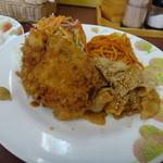 Ciel - メンチカツと焼肉の盛り合わせ定食