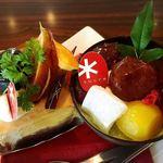 パティスリー シュクレ - ミルクティーのケーキ&西尾抹茶のパフェ@ケーキバイキング