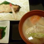ホテルイン - 鮭味噌粕漬けと三平汁