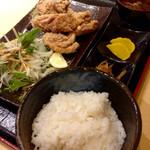 串屋 まっちゃん - からあげ定食(税込780円) (2015.09現在)