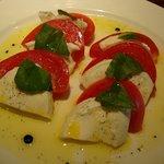 セッテ - 水牛モッツァレラチーズのカプレーゼ