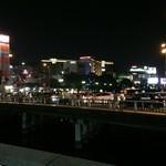 42044031 - 中洲のネオンはこんなに輝いているのに何故にココ・・・(-_-;)