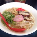 麺家 八兵衛 - 豚骨醤油ら~麺d( ^ω.^ )/ ¥720円