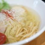 麺屋 翔 - 味玉塩らーめんのアップ