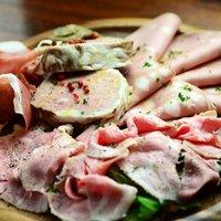 カルネバッカ - シャルキュトリ(肉の加工品)盛り合わせ¥1280