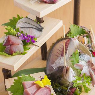 鮮魚は全て天然!京都牛A5ランク、丹波鶏など地元食材ズラリ◎