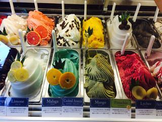 ViTO 浅草店 -  こちらもピスタチオなどのジェラート