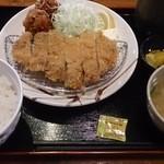 42057947 - カツ・からあげ定食(750円)
