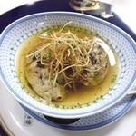 42059048 - フランス・ヴァンデ産 フォアグラのグリエ 里芋のローストと共にポトフー仕立て 秋トリュフ風味