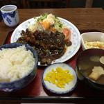 松の家 - 牛肉にんにく醤油焼定食