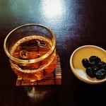 茶寮 宝泉 - 最初に冷たい『ほうじ茶』と『しぼり豆 丹波の黒大寿』が~♪(^o^)丿