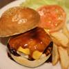 クラッチ - 料理写真:デミチーズバーガー