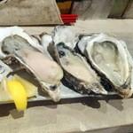 マルショウ アリク - 牡蠣の食べ比べ3種盛1,600円