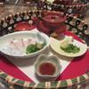 しもの - 料理写真:松茸と白魚の土瓶蒸しと、鯛のお刺身。