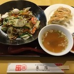 中華 東陽 - 特製中華丼です