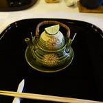 筑紫亭 - 鱧の土瓶蒸し