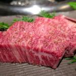 焼肉匠 満炎 - 薩摩牛ロース厚切り