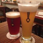 クラフトビアサーバーランド - 左遠野麦酒ズモナビール ストロングIPA &右こぶし花ビール ベルギーホワイト