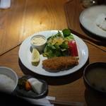 キッチンよい一日 - 旬の魚フライのライトメニュー