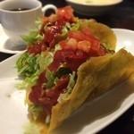 レオン - タコスBセット 750円 タコスでかい くーすーかけて食べる