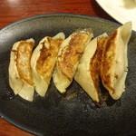 餃子の安亭 - 安亭の焼餃子:350円