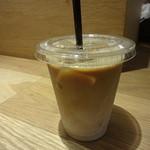 モノクル カフェ - アイスカフェラテ:520円