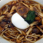 42076685 - 秋限定・きのこ蕎麦(850円)