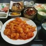 喰い道楽茶屋 - エビチリ定食1250円