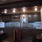 グランス珈琲館 - セピアな店内、なにより静か・・・