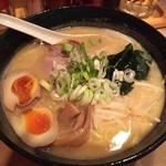 味八 - 札幌味噌味玉入り830円(税込)