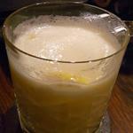 Bar Agit - パイナップルの甘くないカクテル☆♪
