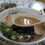 博龍軒 - 豚骨スープは数日間煮込んでいるそうです。