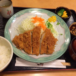 とんかつ かつ村 - 料理写真:★★★☆ ロースカツ定食 中