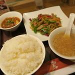 石庫門 - 青椒肉絲定食
