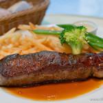 カフェ エメ・ヴィベール - 牛サーロインステーキとポテトフライ【2015年9月】