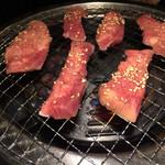 仙台ホルモン・焼き肉 ときわ亭 - さっくさくぷりぷりの牛タン。