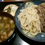42090137 - 鴨つけ麺(合い盛)