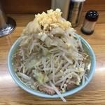 42092138 - ラーメン650円麺半分野菜ニンニク