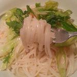 42094188 - 海老の柚子塩の米粉パスタ