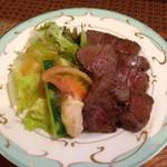れりっしゅ - Noritake に盛られた ランプ肉♡
