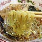ササラ - 醤油ラーメン(680円)麺リフト