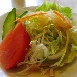 レストラン吉野 - たっぷりのサラダ
