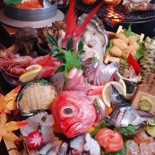 産地直送の新鮮な素材が盛り沢山!港より新鮮な魚を毎日入荷◎